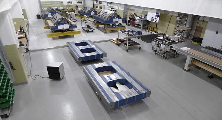 Undulatoren von PSI in den Produktionshallen von Daetwyler Industries